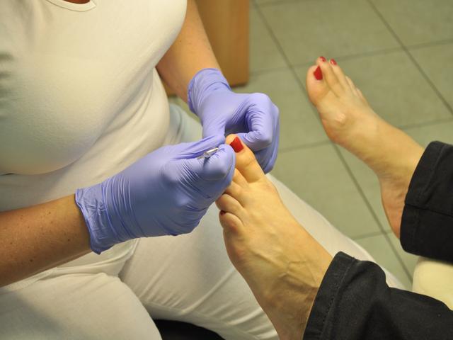 Stopy oddać w dobre ręce – gabinet w Lublinie oferujący leczniczą pielęgnację stóp.